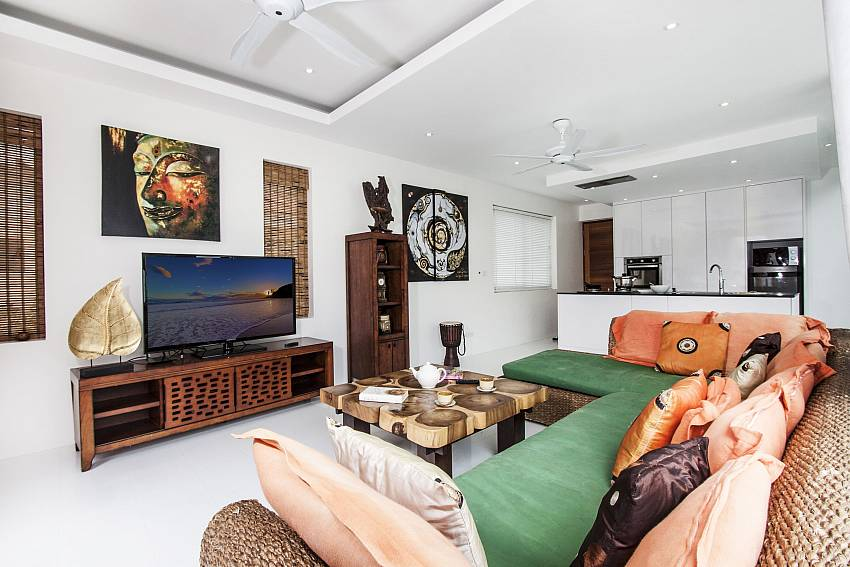Living room with TV of  Banthai Villa 11