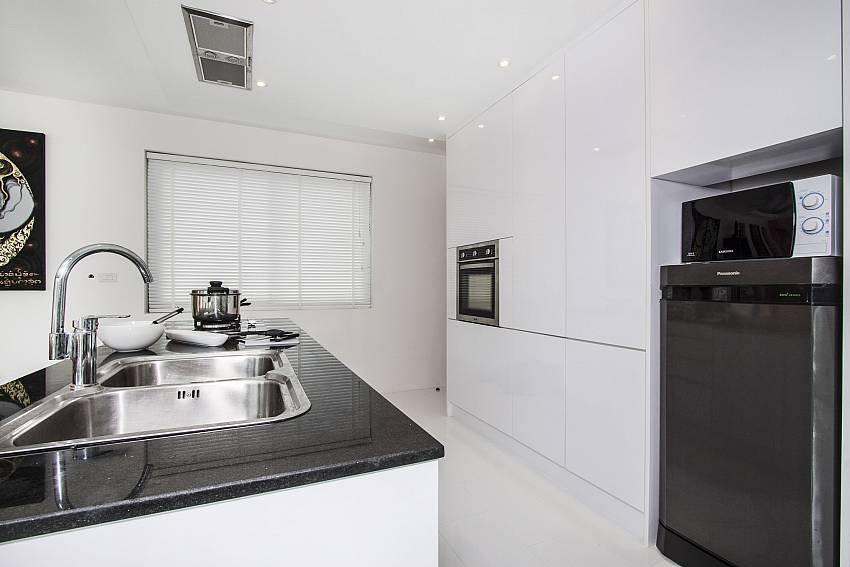 Kitchen room of  Banthai Villa 11