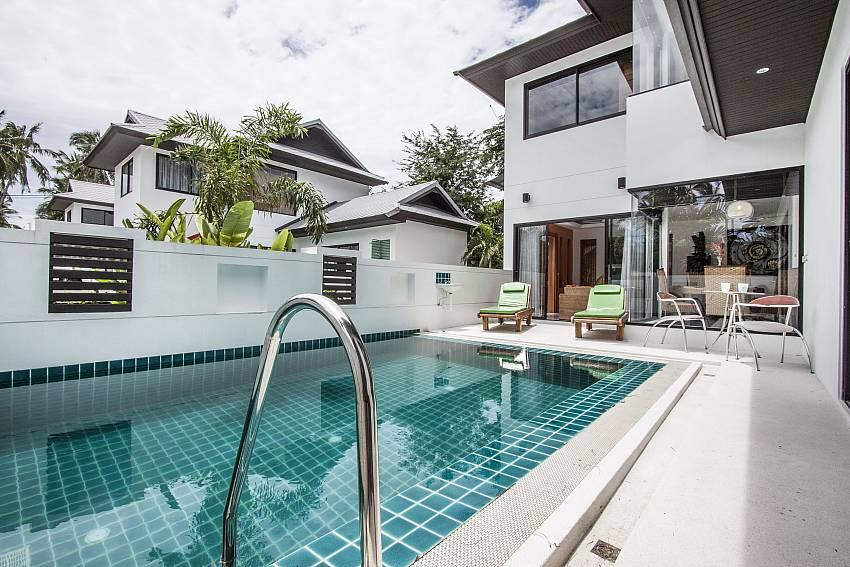 Swimming pool of  Banthai Villa 11