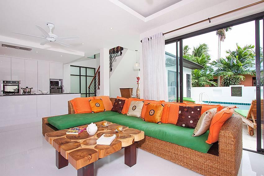Open plan living with direct pool access at Banthai Villa 11 Koh Samui