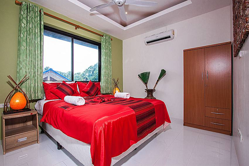 Bedroom with wardrobe of Banthai Villa 12 (First)