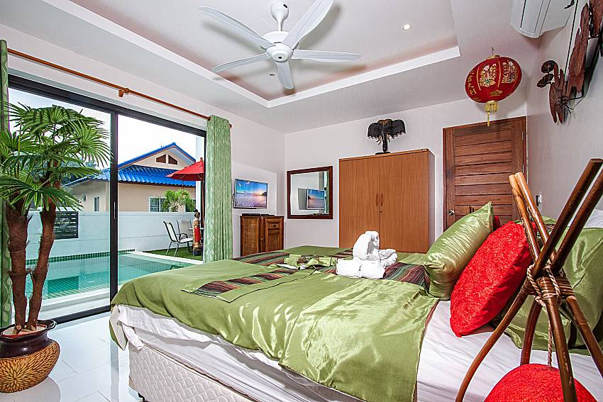 Bedroom near the pool of Banthai Villa 12 (Second)