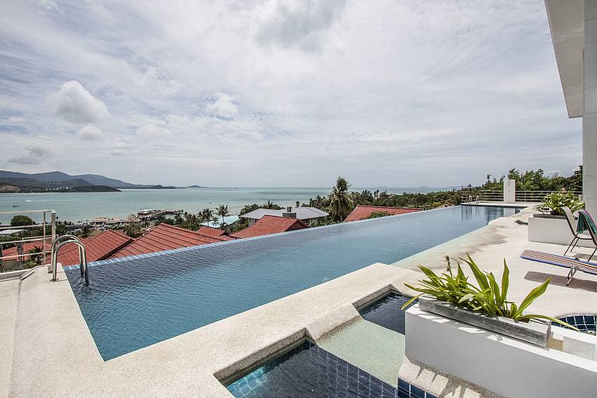 Swimming pool outdoor of Bophut View Penthouse