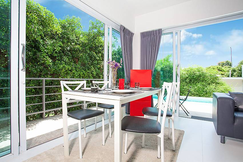 4-seat dining table with view at Chaweng Design Villa No.7 Chaweng Koh Samui
