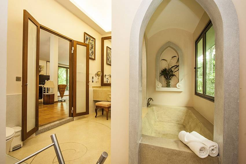Bathroom of Namuang Villa