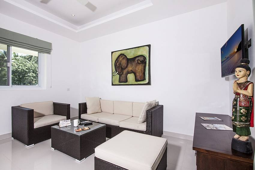 Living room of Baan Maenam No.3