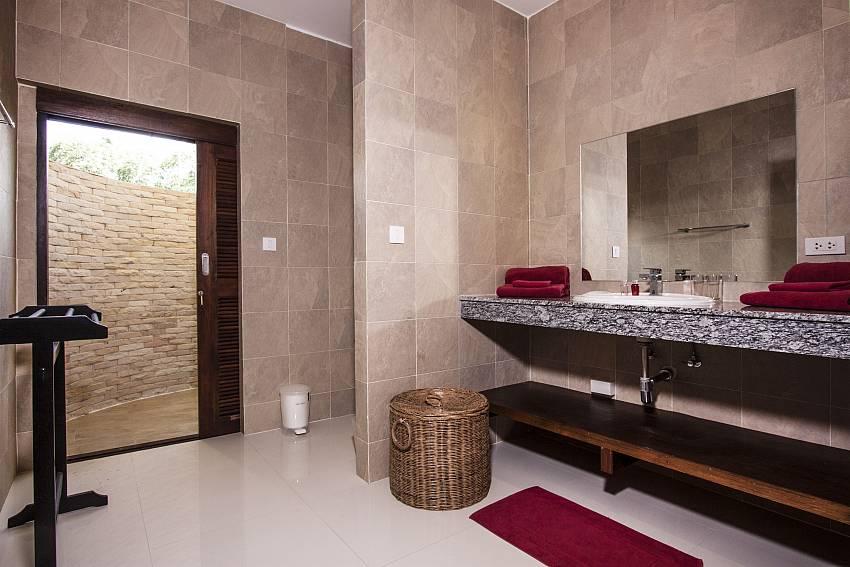 Basin wash in the bathroom of Baan Maenam No.3