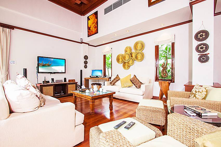 Living room with TV of Baan Pasana