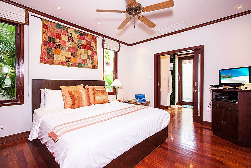 Bedroom with TV of Baan Pasana (Third)