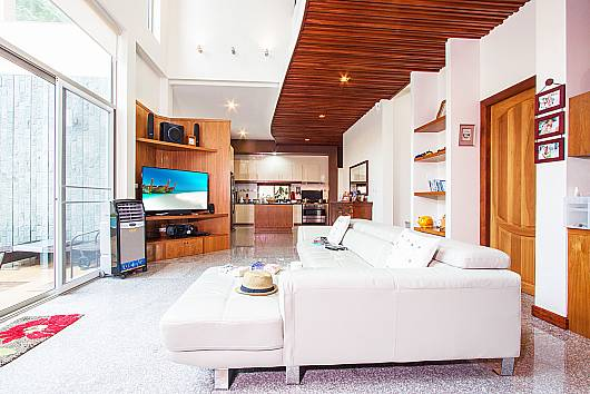 Rent Phuket Villas: Pensri Villa, 4 Bedrooms. 15750 baht per night
