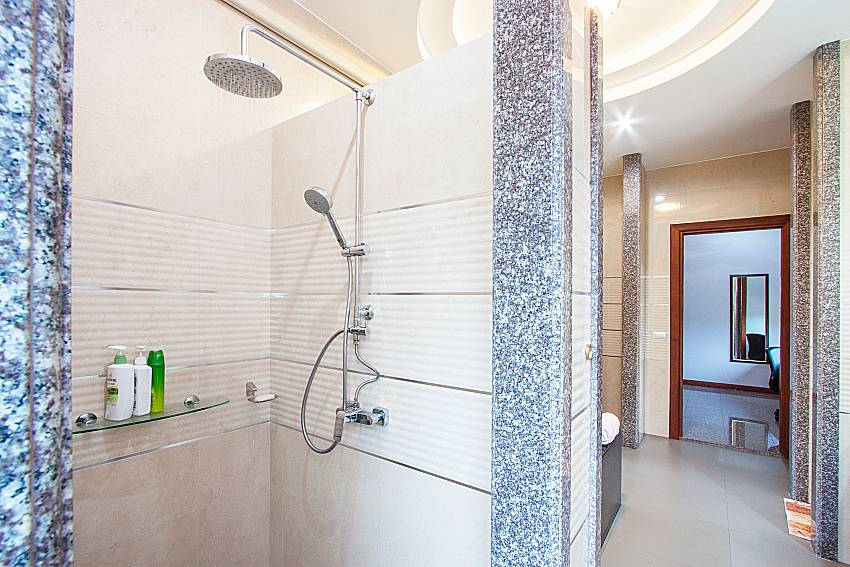 Shower of Pensri Villa