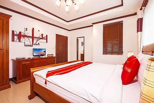Снять апартаменты на Пхукете: Baan Sanun 2, 2 Спальни.  бат в день