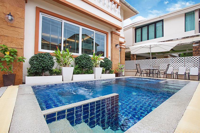 Communal pool for guests of Baan Sanun 3 in West Phuket