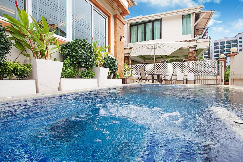 Use the communal pool at Baan Sanun 3 in West Phuket