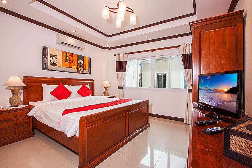 Bedroom with TV of Baan Sanun 4