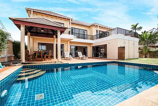 Rent Phuket Villas: Baan Somsak 1, 3 Bedrooms.  baht per night