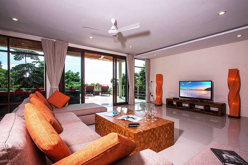 Living room of Baan Phu Kaew C1