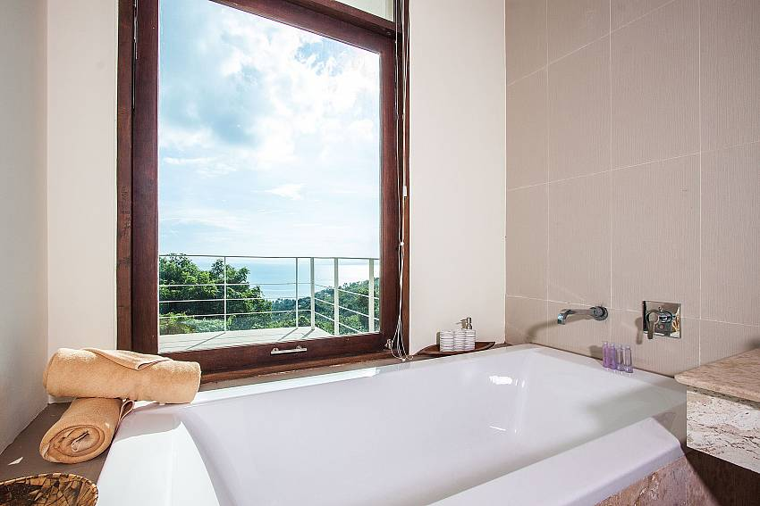 Jacuzzi tub views of Baan Phu Kaew C1