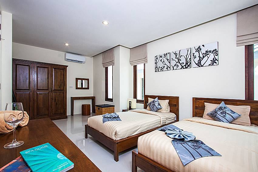 Double bedroom with shelves of Baan Phu Kaew C2 (Second)