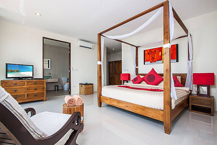 Bedroom with en suite bathroom of Baan Phu Kaew C2 (Third)