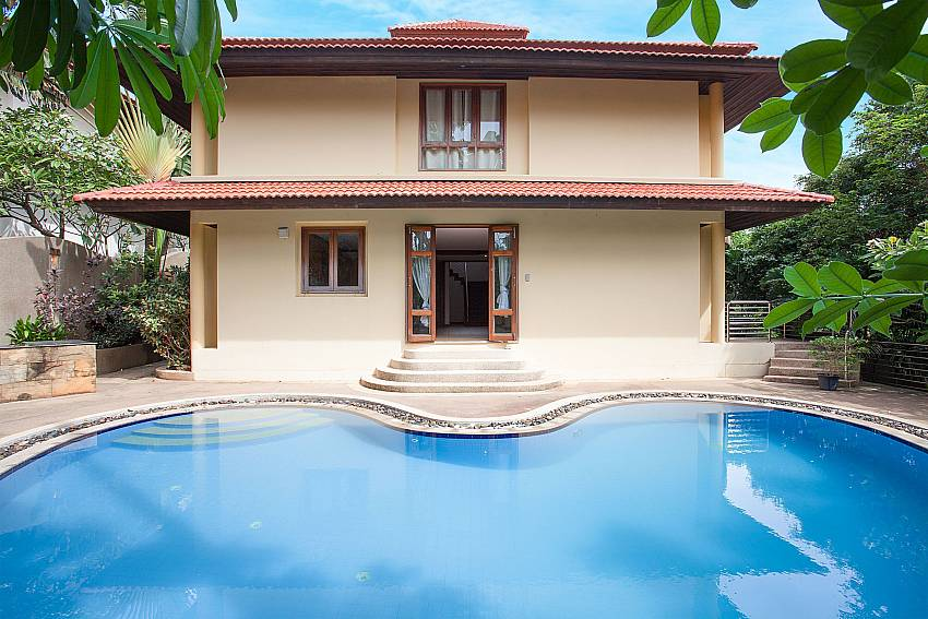 5 bedroom villa Ban Talay Khaw B12 in Samui with private pool