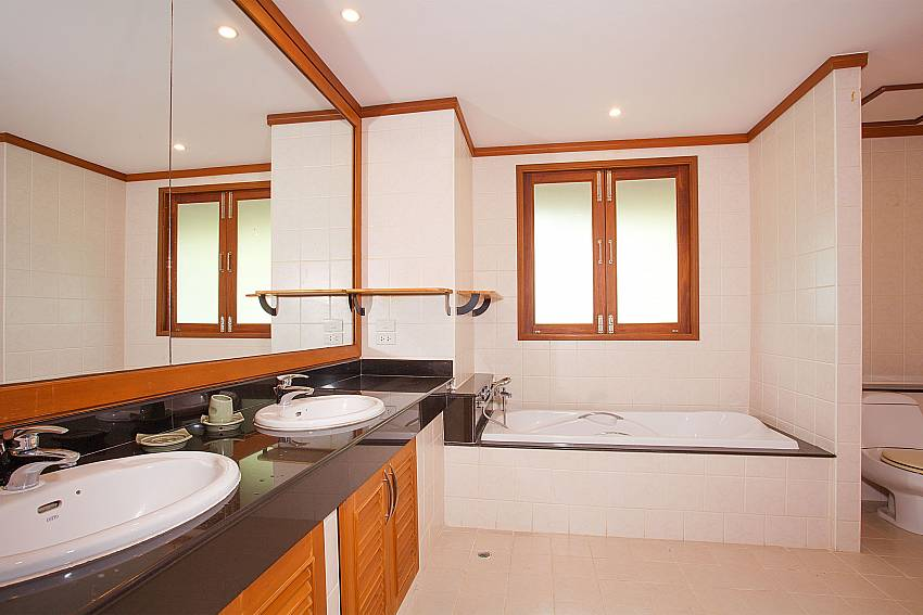 Master bathroom with bath tub at Ban Talay Khaw B12 in Choeng Mon Samui