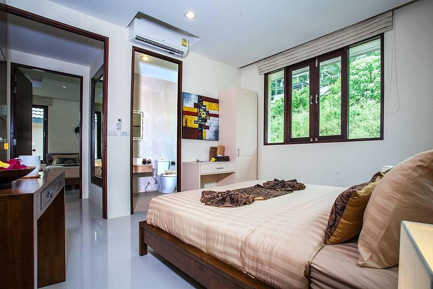 Bedroom with en suite bathroom of Baan Phu Kaew C3 (Third)