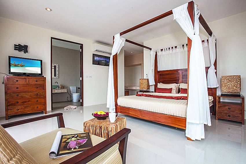 Bedroom with sofa of Baan Phu Kaew C3 (First)