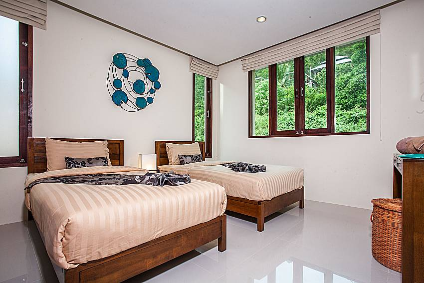 Double bedroom with vanity of Baan Phu Kaew C4 (Third)