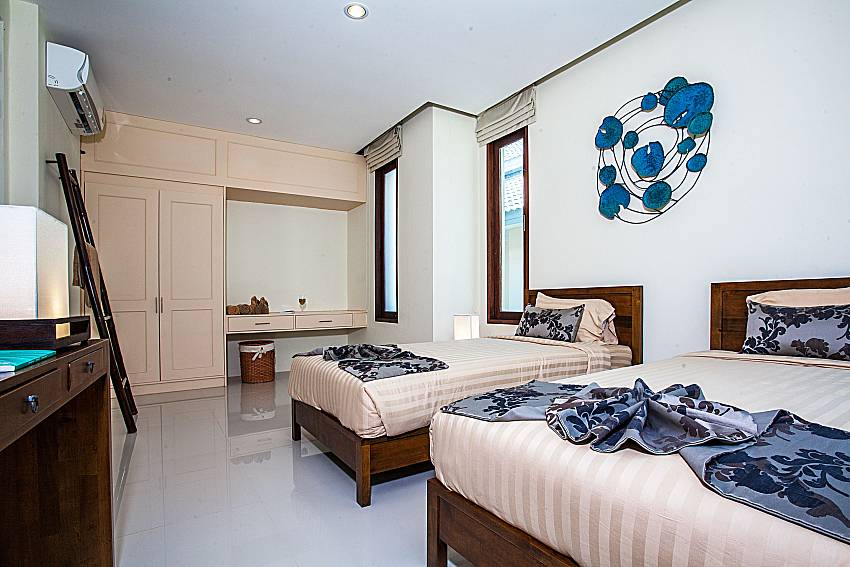 Double bedroom with wardrobe of Baan Phu Kaew C5 (First)