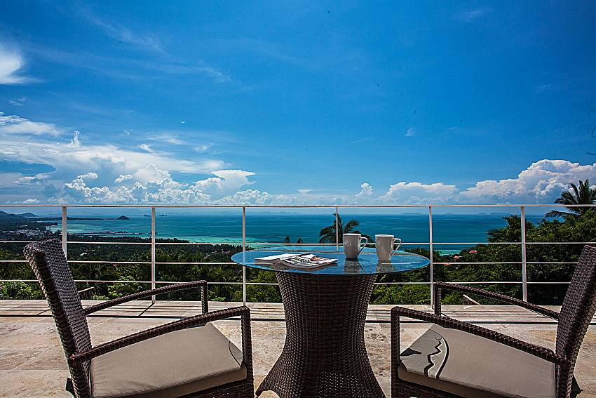 Coffee table outdoor of Baan Phu Kaew C5