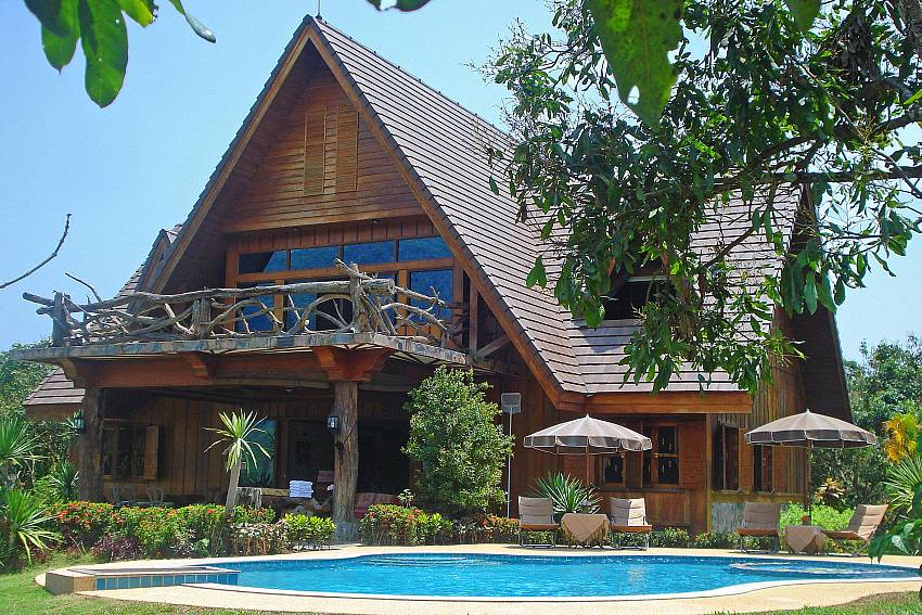 Thai Style Luxury Villa-Doi Luang_pool villa_Chiang Dao_Northern Thailand