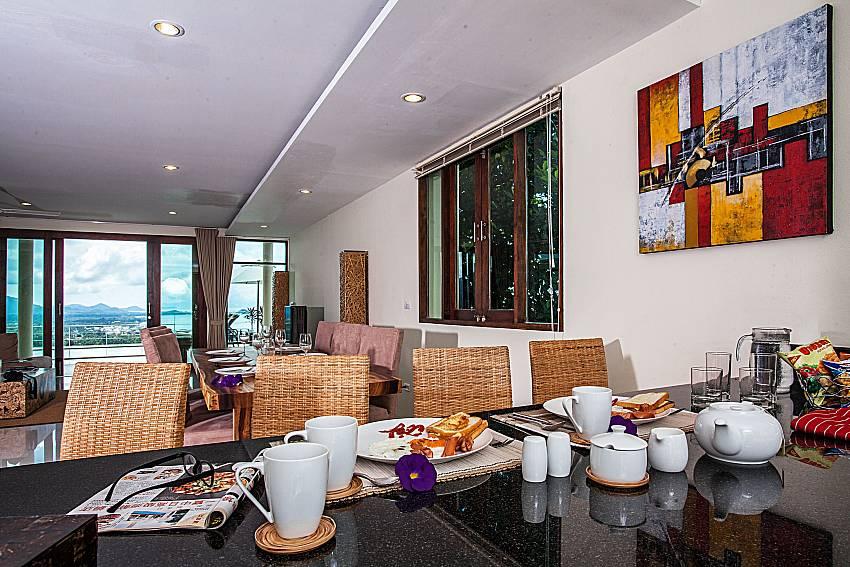 Dinning bar near the living room of Baan Phu Kaew A2