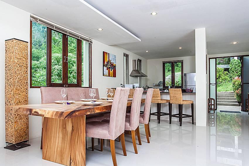 Dinning table of Baan Phu Kaew A2
