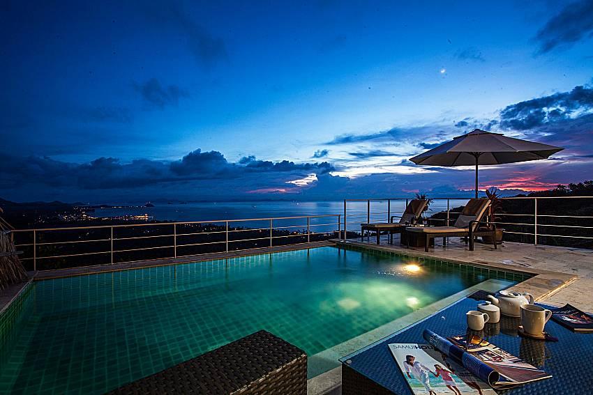 Swimming pool at night time of Baan Phu Kaew A2