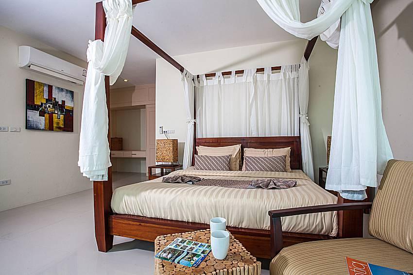 Bedroom with sofa of Baan Phu Kaew A4 (First)