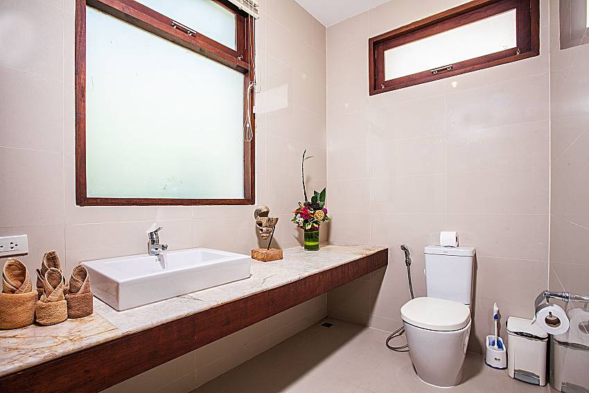 Toilet with basin wash of Baan Phu Kaew A4