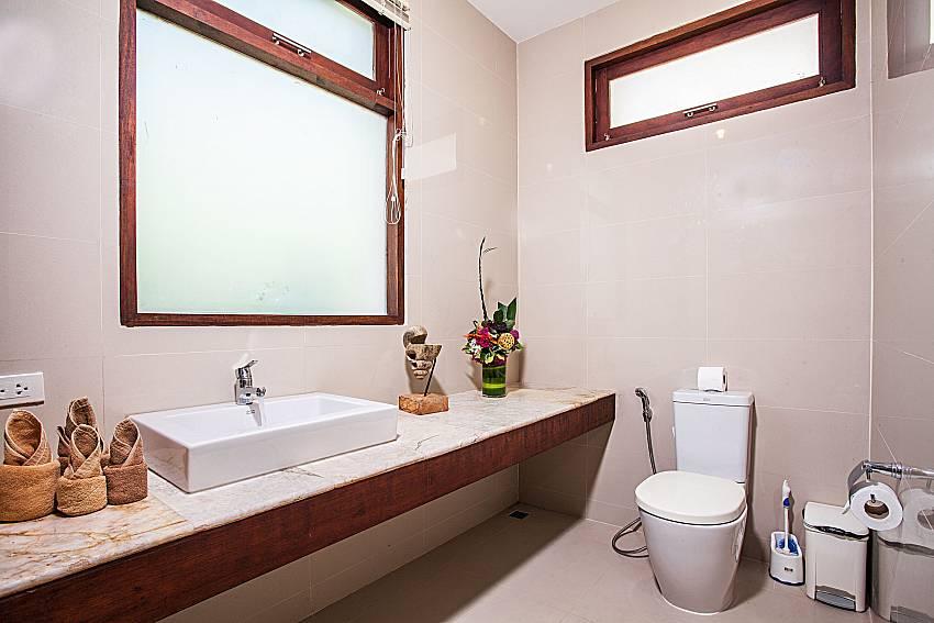 Toilet with basin wash of Baan Phu Kaew A4