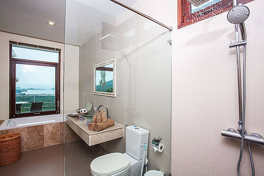Bathroom with shower and toilet of Baan Phu Kaew A5