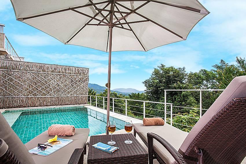 Swimming pool at daytime of Baan Phu Kaew A5