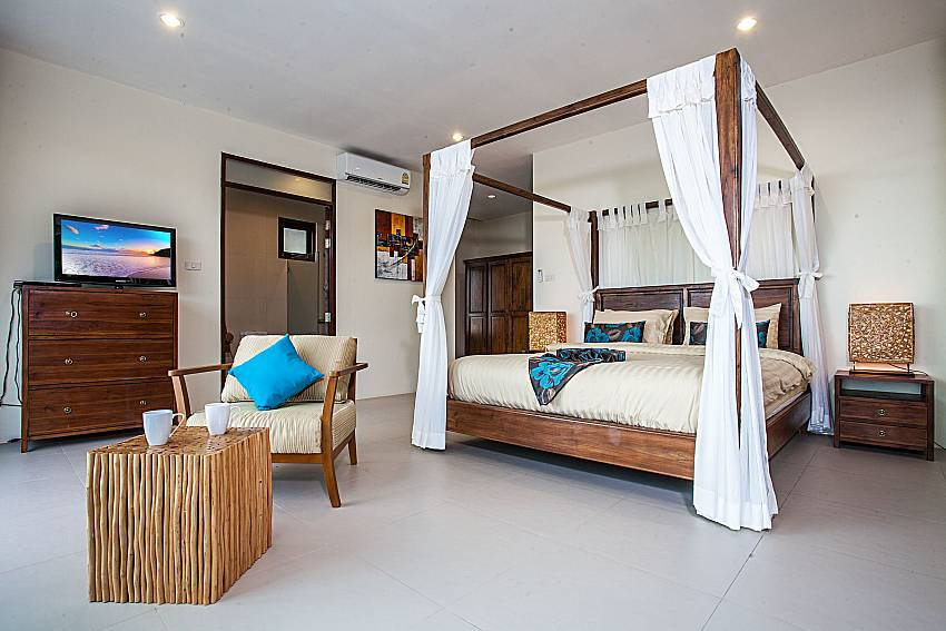 Large bedroom with sofa of Baan Phu Kaew A6 (Third)