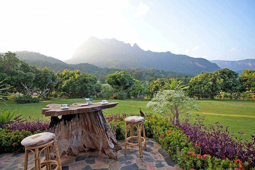Beautiful Parkland-Doi Luang_pool villa_Chiang Dao_Northern Thailand