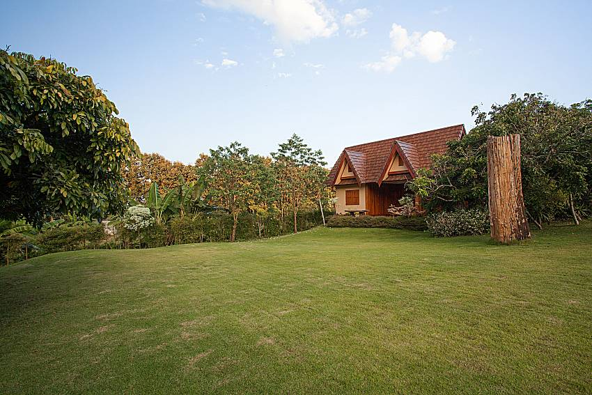 Patio Doi Luang_pool villa_Chiang Dao_Northern Thailand